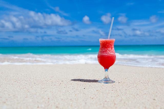 nápoj na pláži