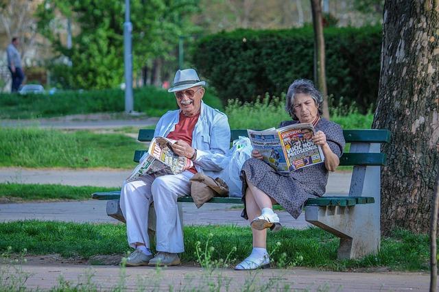 čtení seniorů