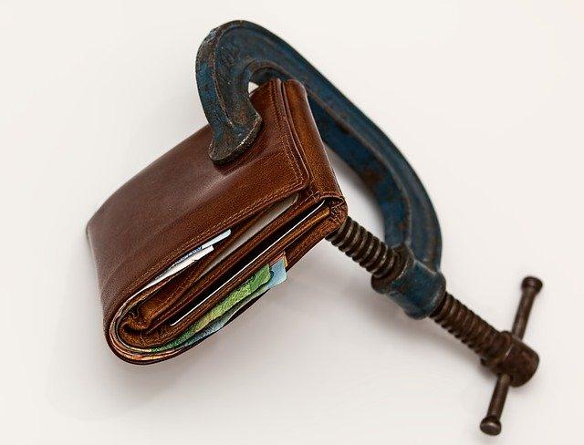 svěrák a peněženka